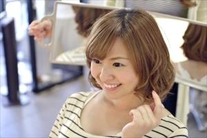薄毛は福岡の中央区赤坂にある女性専用のヘアサロン【Axio-アクシオ-】にお任せ